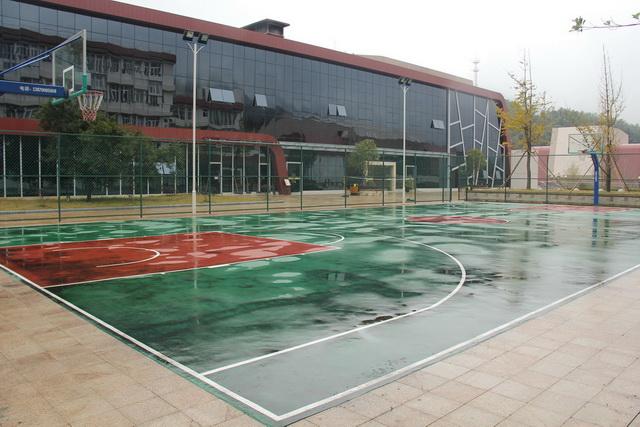 校园风景:运动场_全国青少年井冈山革命传统教育基地